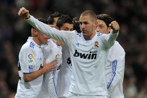 Benzema marcó el tanto que significaba la ventaja blanca.