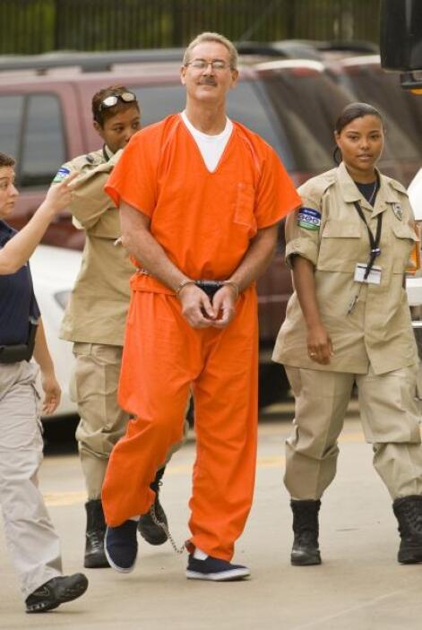 R. Allen Stanford  Delito: R. Allen Stanford fue sentenciado en 2012 a 1...