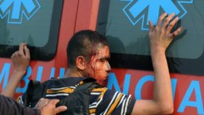 Las autoridades salvadoreñas decomisaron arsenal a presuntos pandilleros...