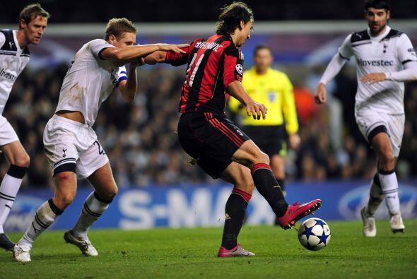 El sueco Zlatan Ibrahimovic pasó sin pena ni gloria, con un pobre...