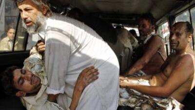 Además de los 98 muertos, el doble atentado causó más de 140 heridos y a...