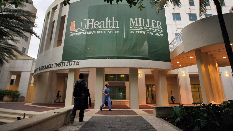 Las becas del Programa U Dreamers están valoradas en más de 25,000 dólar...