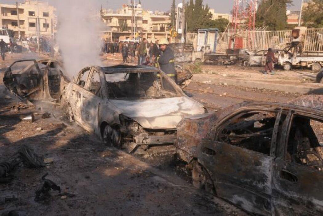 El tercer coche bomba fue dirigido contra un puesto de control en una ca...