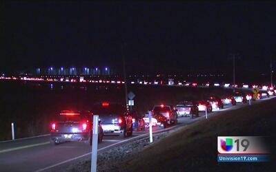 Residentes de California se quedan atrapados por horas en el tráfico en...