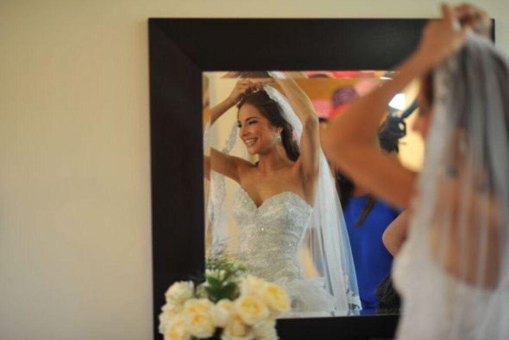 La novia cuidó cada detalle de su atuendo.