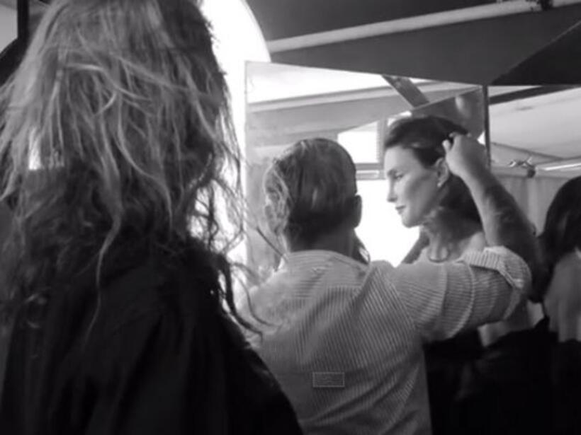 Bruce ha dejado crecer su cabellera por meses y a juzgar por las imágene...