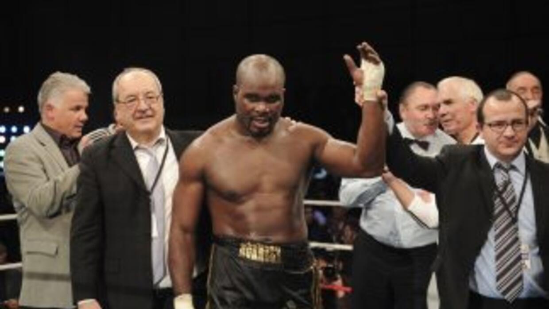 El título de pesos pesados de la NABA (North American Boxing Association...