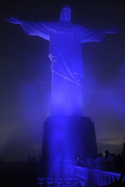 Cristo Redentor, Rio de Janeiro - El 2 de abril todos los grandes edific...
