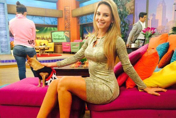 """""""La fotico entre comerciales @DespiertaAmeric"""", compartió Ximena.  (Ener..."""