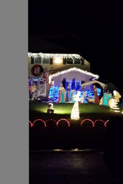 Maria Aguilar decoró el exterior de su casa compartió su foto.