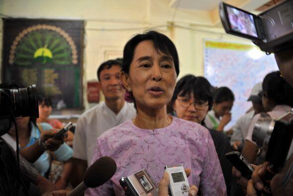 En el área del activismo, Aung San Suu Kyi ha pasado casi 20 años de sus...