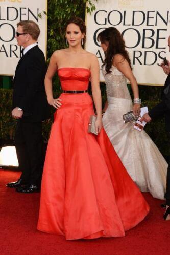 Ganadora del Globo Oro y también al mejor estilo, Jennifer Lawrence se h...