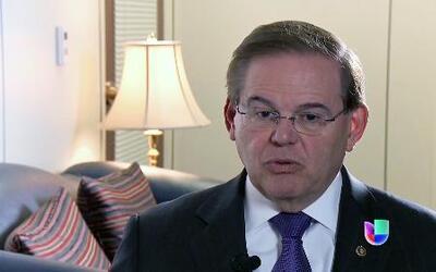El Senador Bob Menéndez respondió a recientes acusaciones de conducta in...