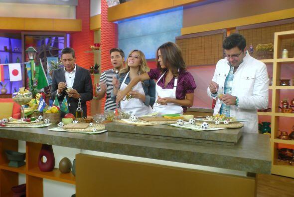 Todos estaban ansiosos por probar la deliciosa comida que con gusto prep...