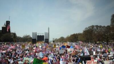 El plan de Romney no menciona una vía de legalización para los 11 millon...