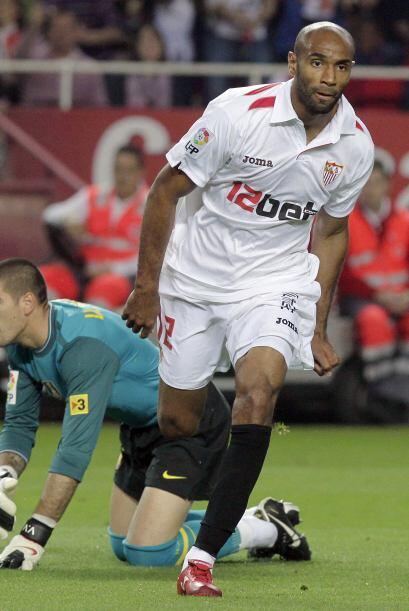 Muchos dicen que Frédéric Kanouté ya no vive su mejor etapa, pero Sevill...