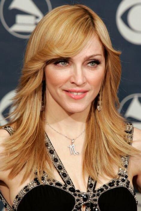 Si de por si la música de Madonna nos pone a bailar, con este 'look' de...