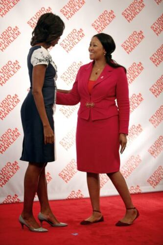 Tobeka S. Zuma, primera dama sudafricana, prefirió usar un poco de color...