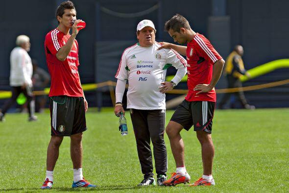 23.- El 'Piojo', aprovechando la inercia de su equipo en la liga, llam&o...