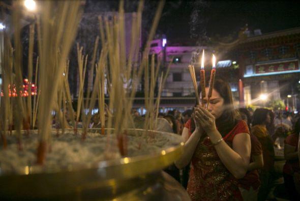"""Las antiguas costumbres del Año Nuevo chino incluyen el """"hongbao"""" o entr..."""