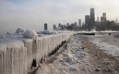 Fuerte masa de aire polar sigue extendiéndose rompiendo récords históric...