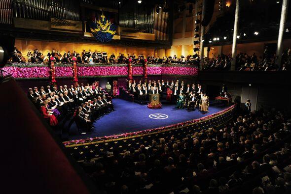 La celebración de los premios Nobel 2010 se llevó a cabo e...