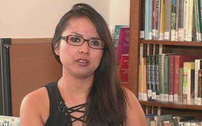 Inmigrante peruana deja una iglesia en Denver donde se refugiaba de la d...
