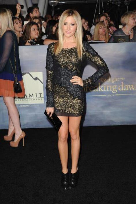 Tisdale ha lucido de todo tipo, desde aquellos que pecan de glamourosos...