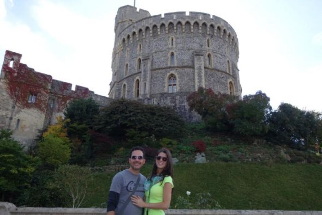 En su recorrido por Inglaterra, el conductor visitó el Castillo Windsor,...