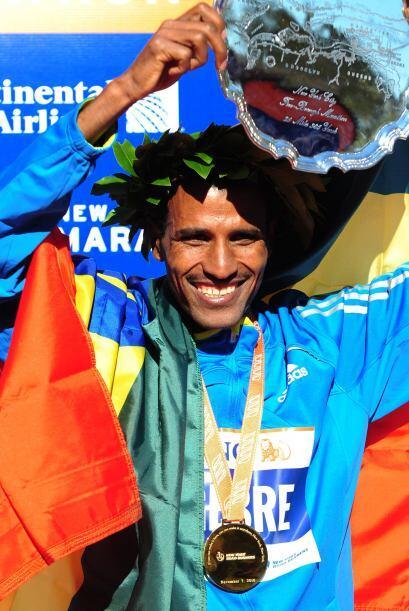 Gebremariam logró completar la maratón con un tiempo de 2h 08m 13s.