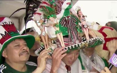 Vistosos sombreros mexicanos extendieron su tradición de siete mundiales
