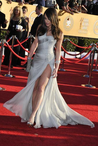 Lea Michele sedujo a todos con su Versace y los accesorios de Lorraine S...