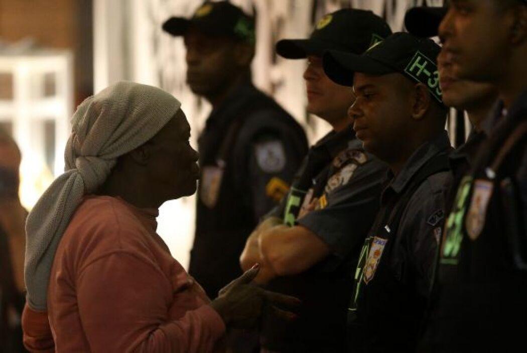 Durante los enfrentamientos, que se alargaron durante más de tres horas,...