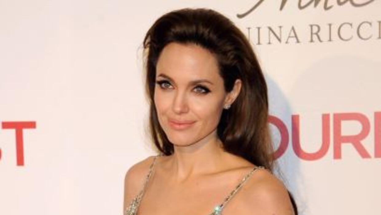La actriz lució varios diseños de la firma Ferragamo en su nuevo filme T...
