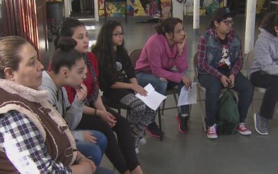 Al menos 40 menores de edad de Chicago se unen a una demanda nacional co...