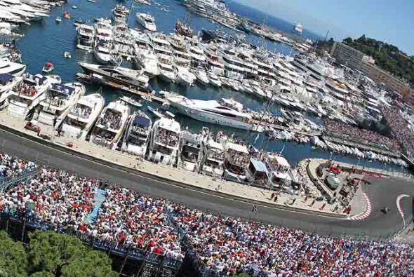 Decenas de miles de aficionados disfrutaron de una espectacular carrera.