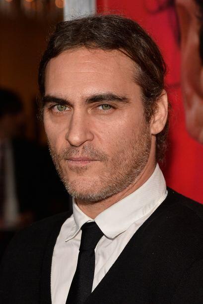Joaquin Phoenix se ve muy seriecito.  Mira aquí los videos m&aacu...