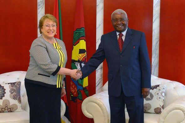La presidenta de Chile Michelle Bachelet, se reunió con su hom&oa...