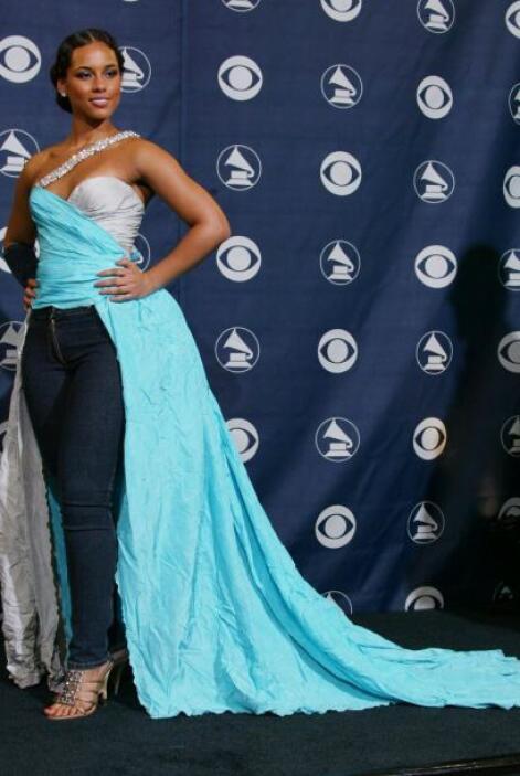 Todo esto la ha llevado a ganar 14 premios Grammy, 17 premios Billboard...