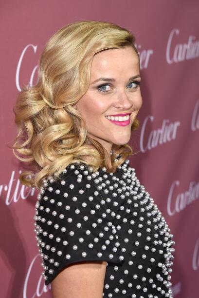 Dale una apariencia más sofisticada a tu cabello con rulos más definidos...