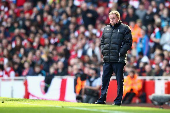 Y el entrenador Harry Redknapp tenía la mirada perdida, tan perdi...