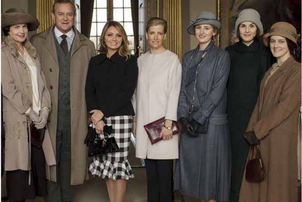 La primera dama de México visitó a sus colegas, los actores de la aclama...