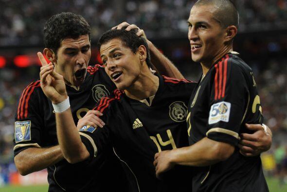 Javier Hernández demostró la clase de jugador que es, con cualquier part...