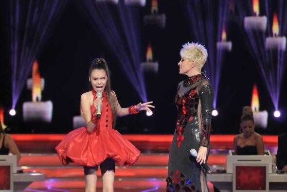 Yuri e Irlanda se acoplaron muy bien en el escenario.