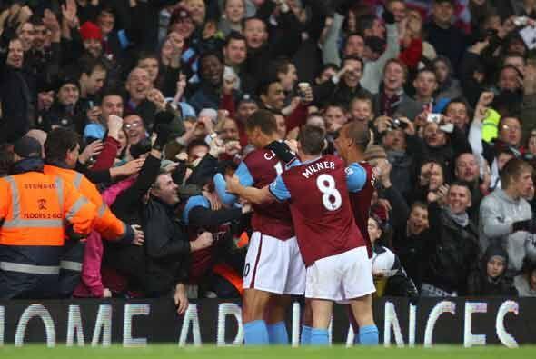 El Aston Villa le metió 5-1 al Bolton.