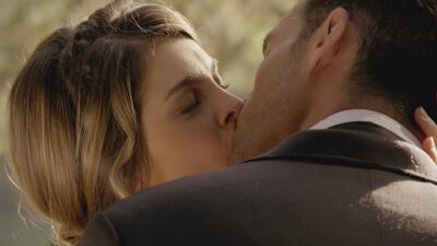 Isabel y Julio primer beso