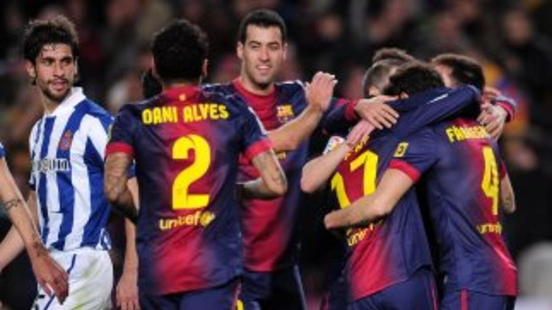 En uno de los derbis más desiguales de los últimos años, Barcelona derro...