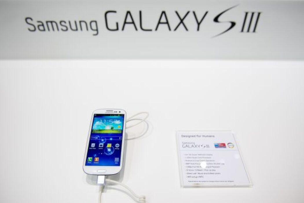 Samsung Galaxy S III (16GB)- Se colocó como el campeón en cuestión de An...