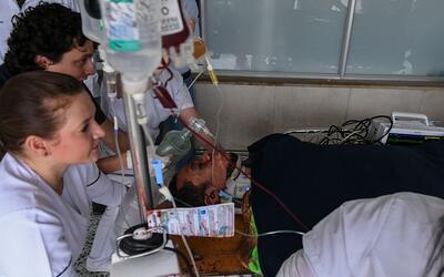 Hélio Zampier Neto cuando era trasladado de urgencia a un hospita...
