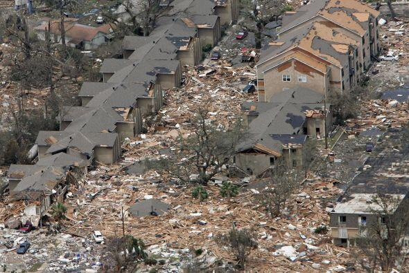 Se estima que Katrina causó daños materiales por 75 mil millones de dóla...